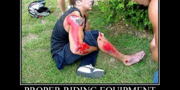 dangers of not wearing motorcycle clothing